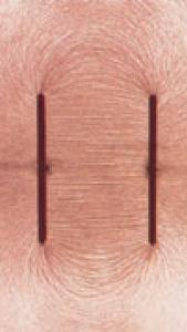 میدان الکتریکی خازن